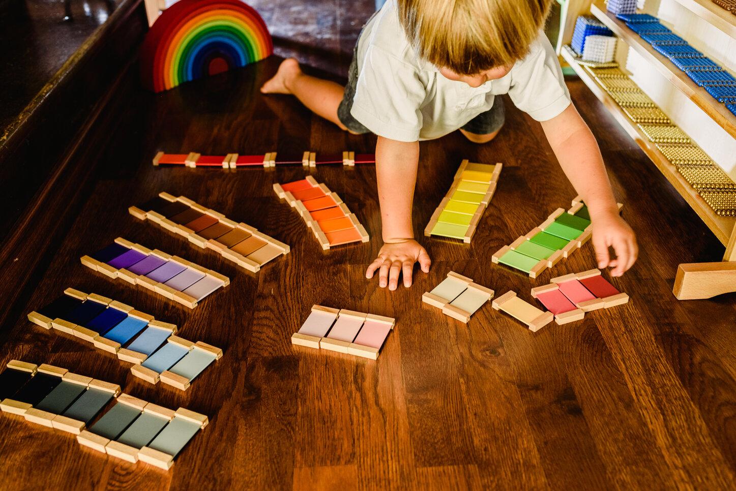 Montessori learning material
